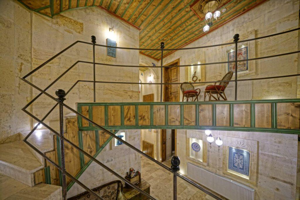 ballooncavehotel-merdiven