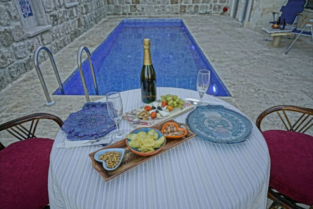 cappadocia-pool-hotel